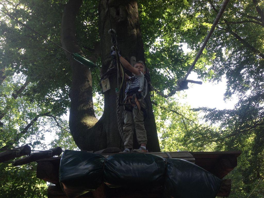 kletterpark mit kind unterwegs kletterwald waldhochseilgarten klettergarten berlin