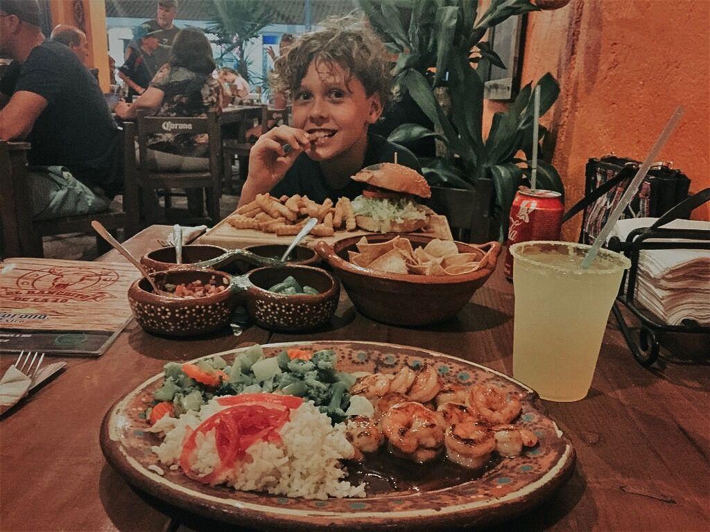 Individualreise reise mit kindern selbst planen verpflegung essen restaurant